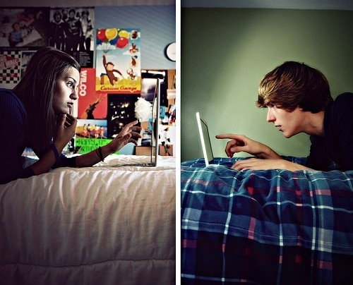 friends-friendship-girl-and-boy-internet-laptop-Favim.com-118879
